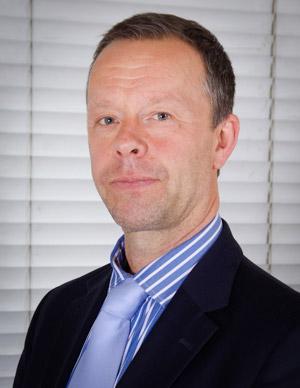 Ian Baldwin : DipPFS, Cert CII (Certs MP&ER)